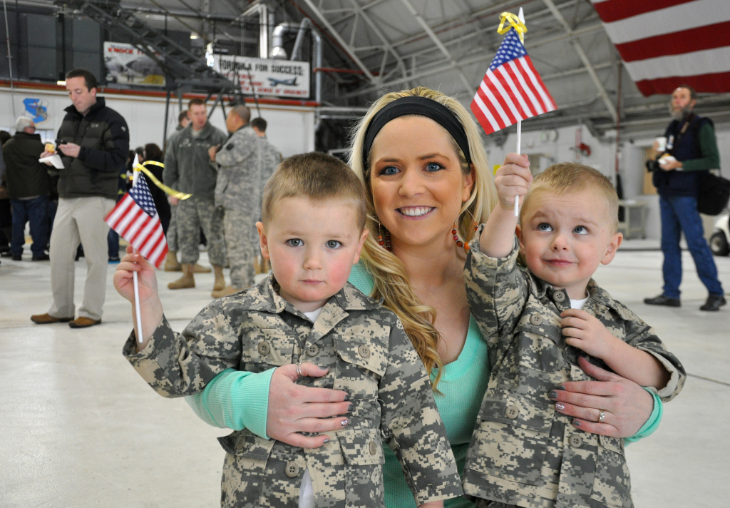 Do Military Spouses Wear Rank?