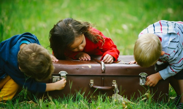 Tips for Traveling with Children During the Hectic Holidays